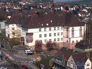 Das Albert Einstein Gymnasium Völklingen 2002 (Foto: Hell)