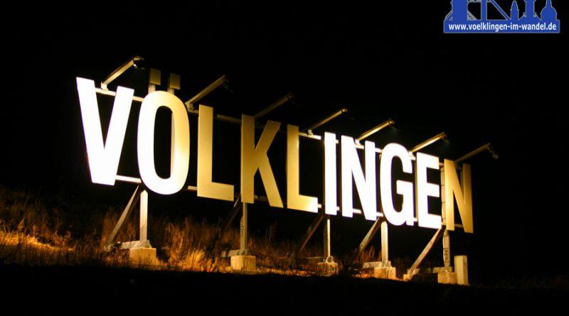 Völklingen goes Hollywood: Dieser Schriftzug findet sich am Saarufer bei Luisenthal. (Foto: Hell)