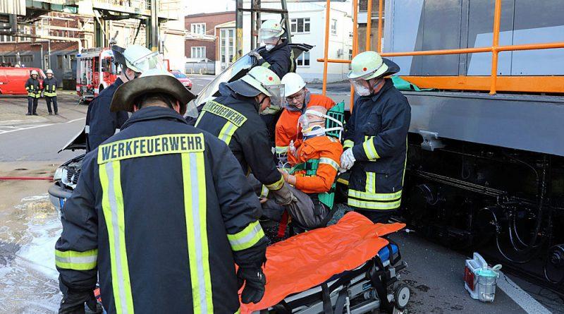 Die Werkfeuerwehr von Saarstahl probt den Ernstfall (Foto: Saarstahl AG)