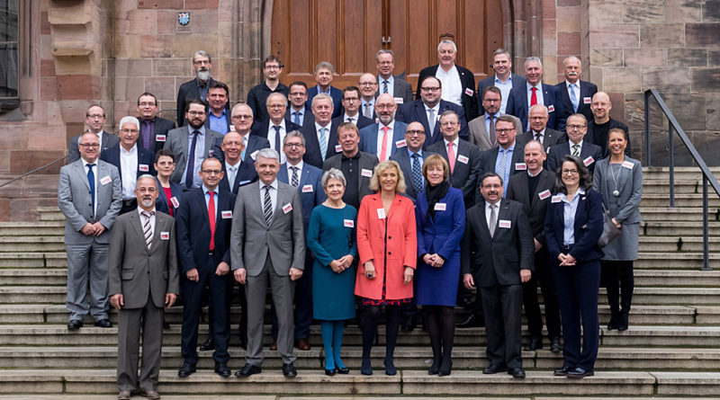 """Stadt Völklingen unterstützt Aktionsbündnis """"Für die Würde unserer Städte"""" (Foto: PM Stadt VKL)"""